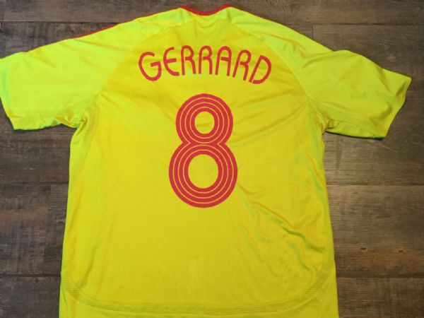 2006 2007 Liverpool Gerrard  CL Adults Medium Football Shirt Top